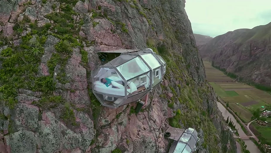 scary-suspended-see-through-pod-capsule-skylodge-hotel-peru-7